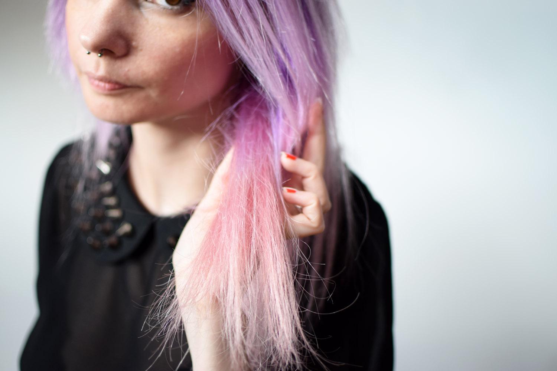 Decoloration cheveux risques