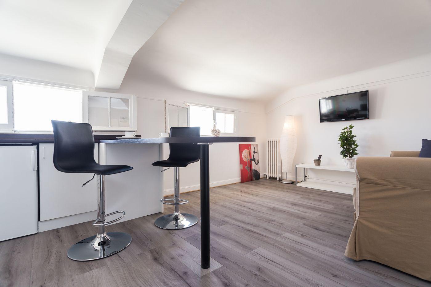 comment chercher un appartement en location. Black Bedroom Furniture Sets. Home Design Ideas